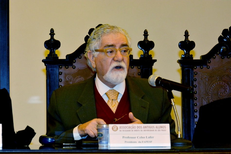 Prof. Celso Lafer